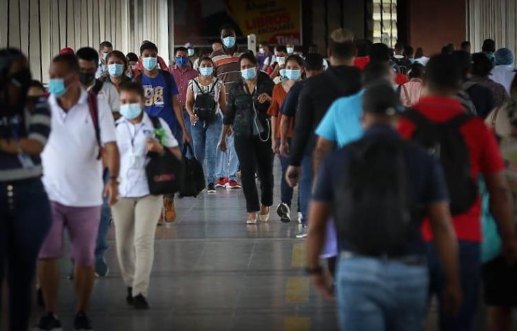 Panamá inicia la semana con722 casos nuevos de covid-19