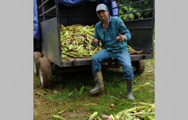 'Tavo' se siente orgulloso de trabajar en el campo