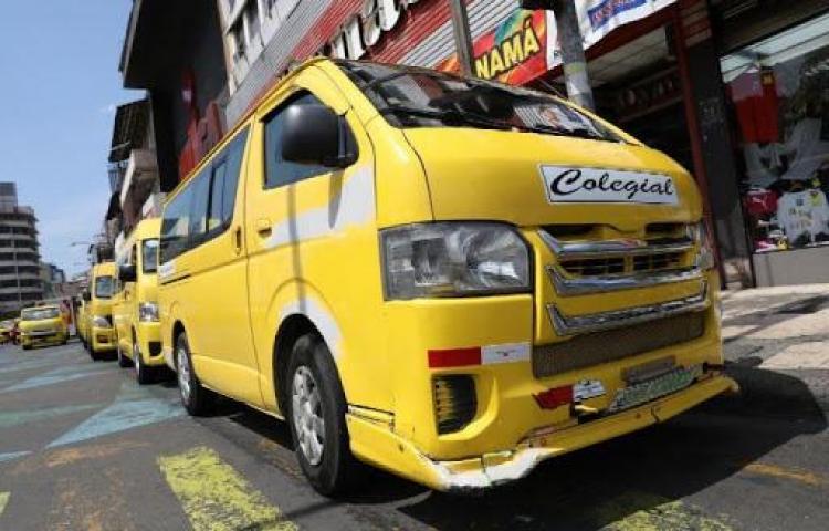 Transportistas de busitos colegiales piquetearán en la presidencia