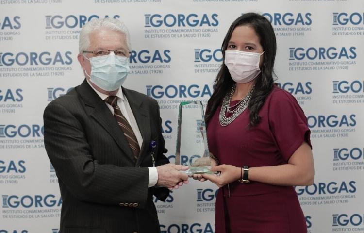 Científica panameña Mairim Solís recibe el Premio Nacional L'Oréal - UNESCO