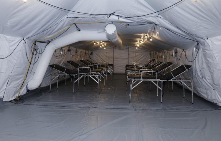 EE.UU. entregatres hospitales campaña a Panamá