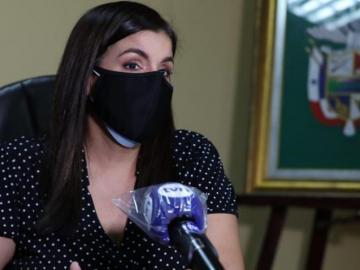 Gobernadora de Panamá se colocó vacuna experimental contra la covid-19