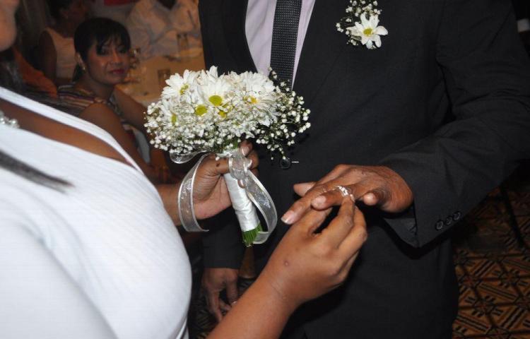 Más de 25 mil matrimonios y unos 11 mil divorcios