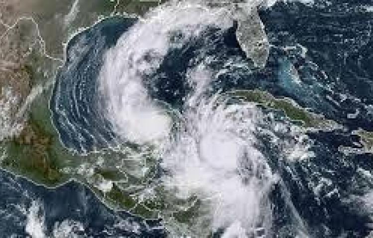 El ojo del peligroso huracán Delta toca tierra en México