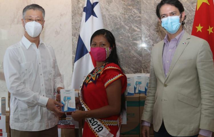 Embajada de China y ATP donan artículos de prevención sanitaria a comunidades indígenas