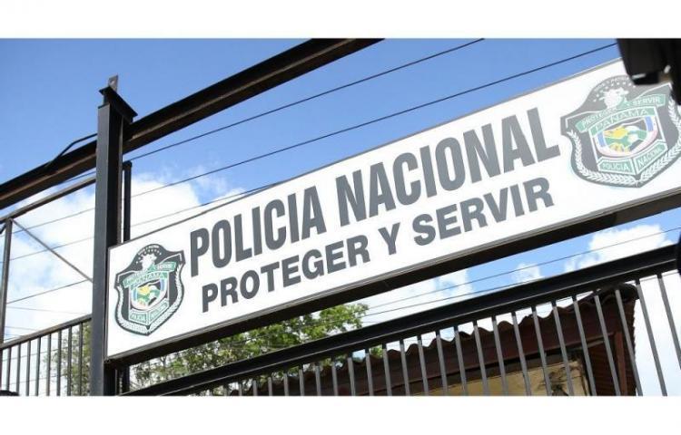 La Policía Nacional realiza investigación interna por caso de violación que involucra a dos agentes