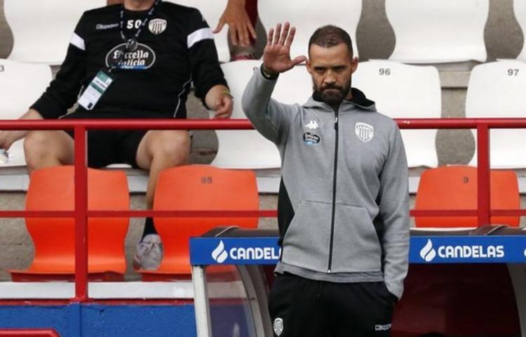 El Lugo, del 'Puma' Rodríguez, destituyó a su entrenador