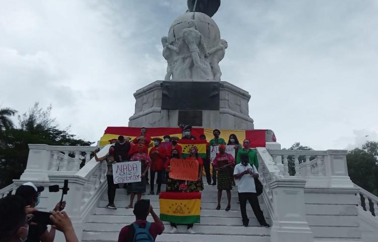 Grupos indígenas protestaron en la Cinta Costera