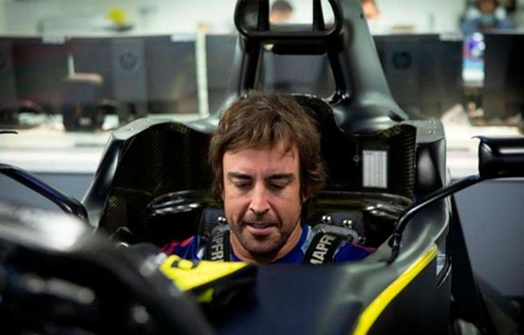 """Alonso: """"El coche tiene potencial y margen de mejora"""""""