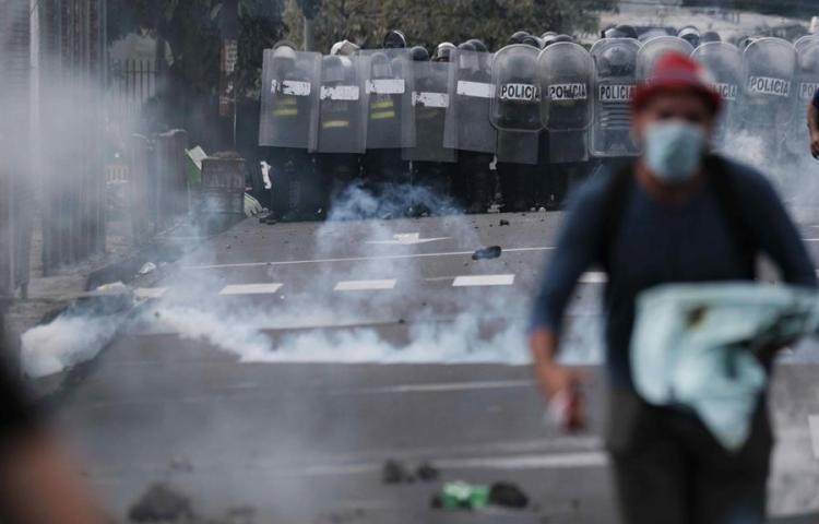 Presencia de policías encubiertos en protestas eleva tensión en Costa Rica