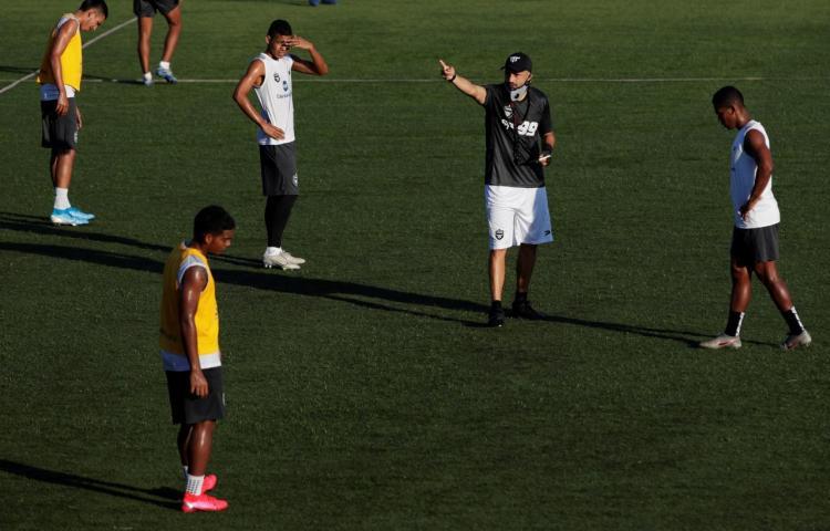 Entrenador del Tauro espera un torneo Clausura complicado