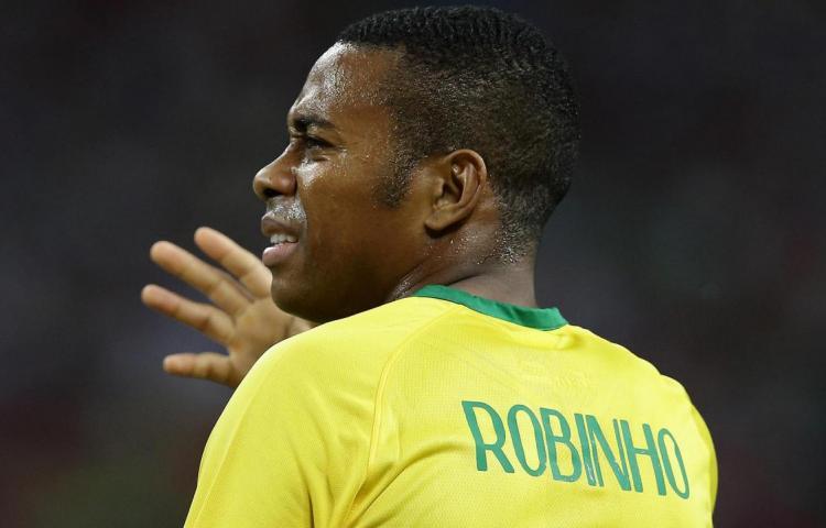 Revelan diálogos que sirvieron para condenar a Robinho