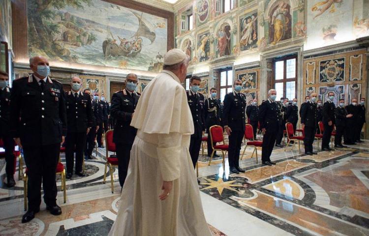 Vaticano confirma un caso de coronavirus en la residencia del papa Francisco