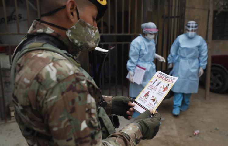 Laboratorio chino duplicará el número de pruebas de vacuna para covid-19 en Perú