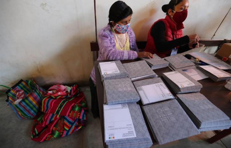 Los bolivianos votan para elegir presidente y nuevo Parlamento