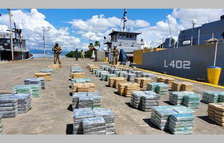 Agarraron a cuatro que transportaban droga en lancha