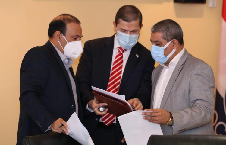 Autoridades conforman mesa técnica para evaluar propuesta del uso del cáñamo