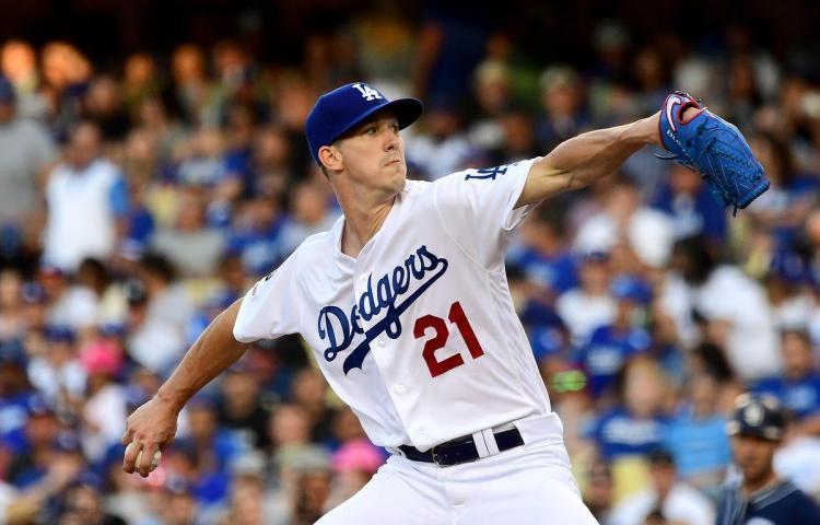Buehler poncha a 10 y retoma la ventaja para los Dodgers