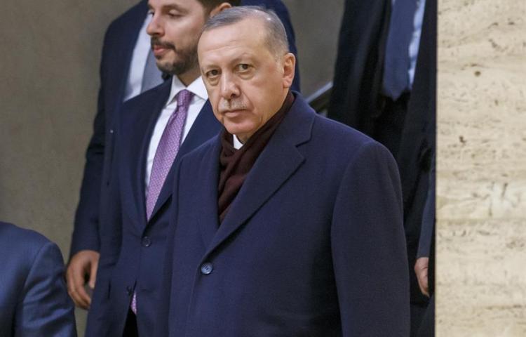 "Erdogan aconseja a Macron ""terapia mental"" por su postura frente al islamismo"