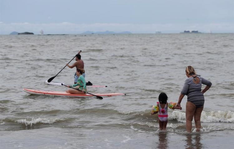 Panamá reabre sus playas y ríos tras siete meses de veda por la pandemia
