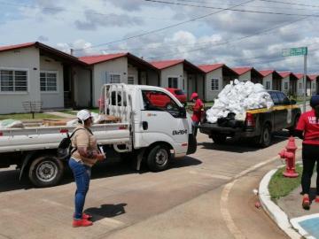 Continúan jornada de entrega de bolsas de alimentos