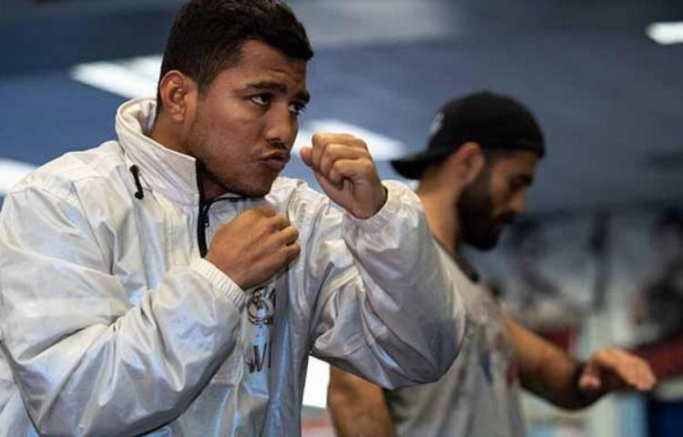 Acusan a campeón de boxeo nicaragüense de usar influencias contra inversores