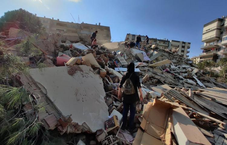 Un terremoto en el Egeo causa al menos 14 muertos, 12 de ellos en Turquía