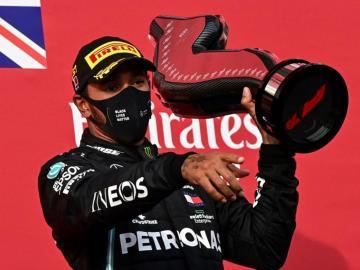Hamilton se impuso en Imola