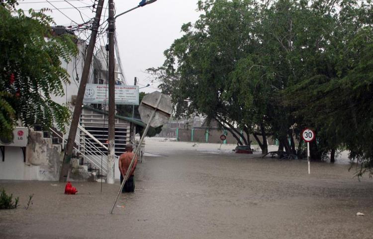 Las inundaciones provocan una emergencia pública en Cartagena de Indias
