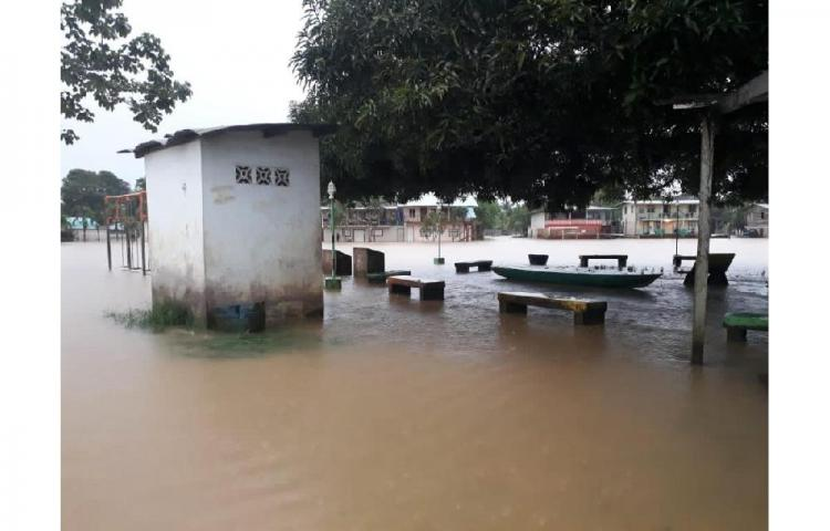 Comunidades de Darién inundadas por efectos de Iota
