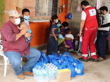Viuda de agricultor fallecido en Los Santos recibe ayuda del Gobierno Nacional