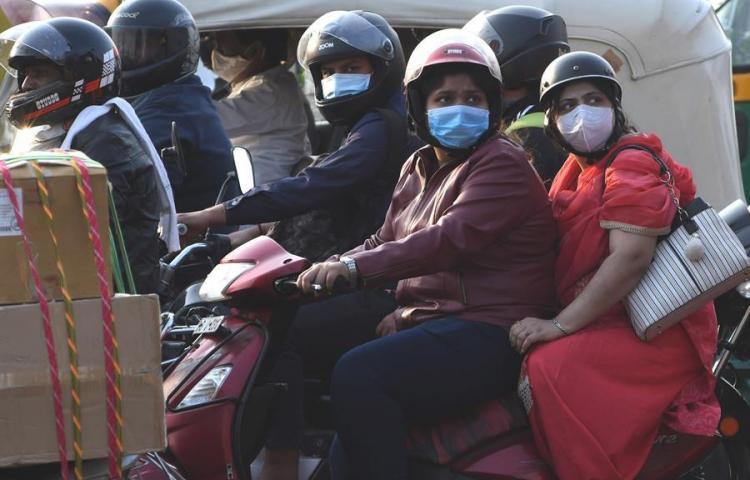 India acumula el 20 % de los casos de COVID-19 en el mundo, más de 9 millones