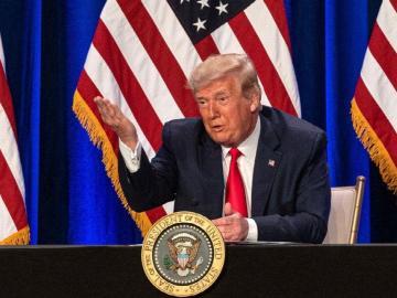 Trump ahora arremete contra Pfizer