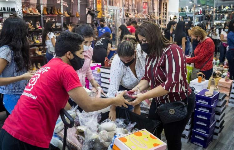 Maduro adelantó el 'Black Friday' a pesar de la pandemia