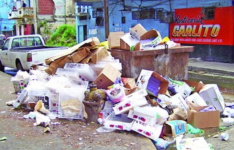 Colonenses estudian buscar otra empresa para recoger basura