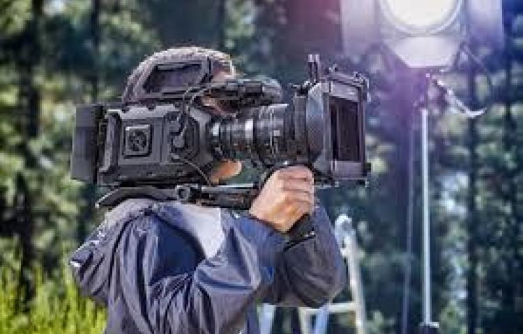 Abren becas para taller de cine impartido por productor mexicano
