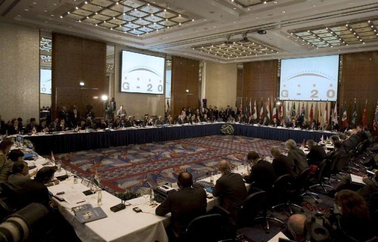 Putin se opone a proteccionismo y unilateralismo en G-20