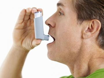 Asma controlada, previene síntomas graves de covid en caso de contagio