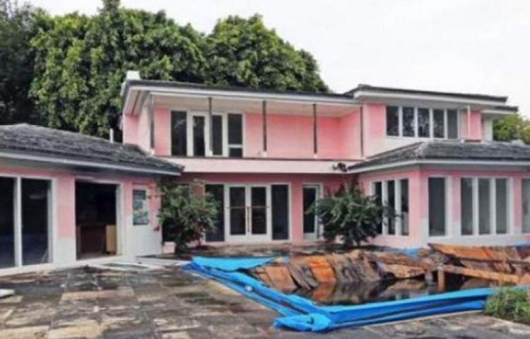 Venden mansión de Pablo Escobar