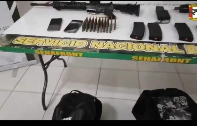 Dos fusiles de guerra M-4 y otros artículos fueron ubicados en Guna Yala