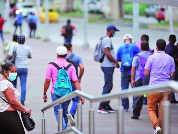 Desempleo, estrés y hambre agobia a los panameños