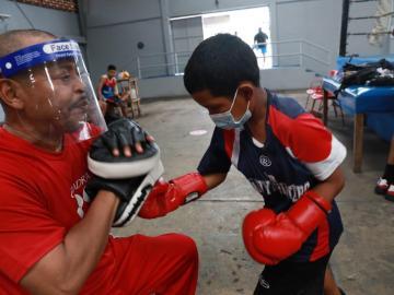 Fotos:Jóvenes y niños entrenan en el gimnasio 'Rockero' Alcázar en Curundú