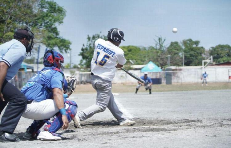Arranca el sóftbol superior
