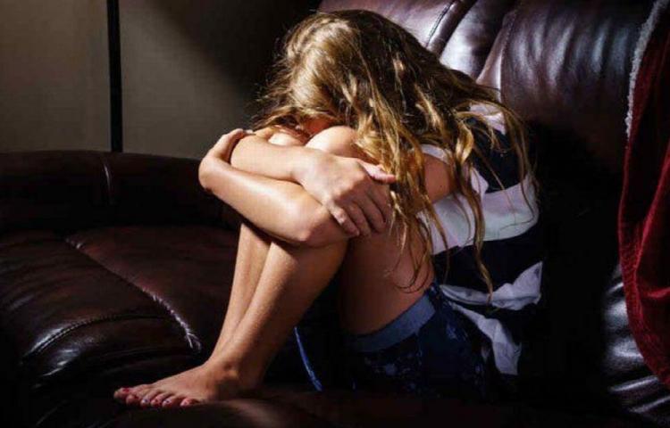 Está en tremendo lío por violar a una menor