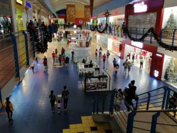 Centros comerciales vislumbran un mes bueno