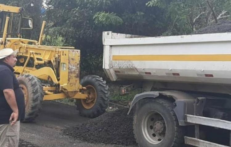 Realizan reparación de vía de acceso en Arraiján