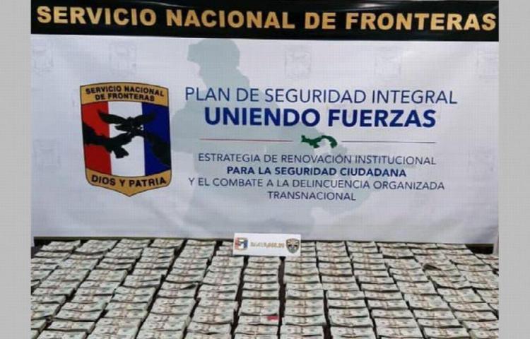 Transportaba buco dinero en doble fondo en auto en Chiriquí