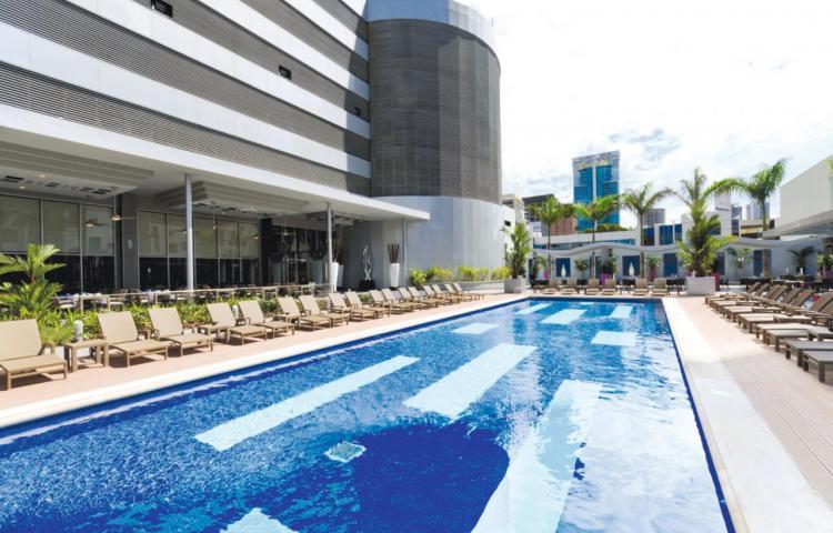 Riu reabre este mes cinco hoteles en el Caribe