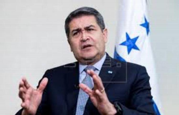El presidente de Honduras pide en EUA ampliar TPS a 44,000 personas