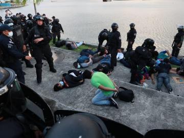 ¿Qué piensa de la detención de los jóvenes durante la protesta?